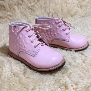 Josmo Walker Shoes Size 6